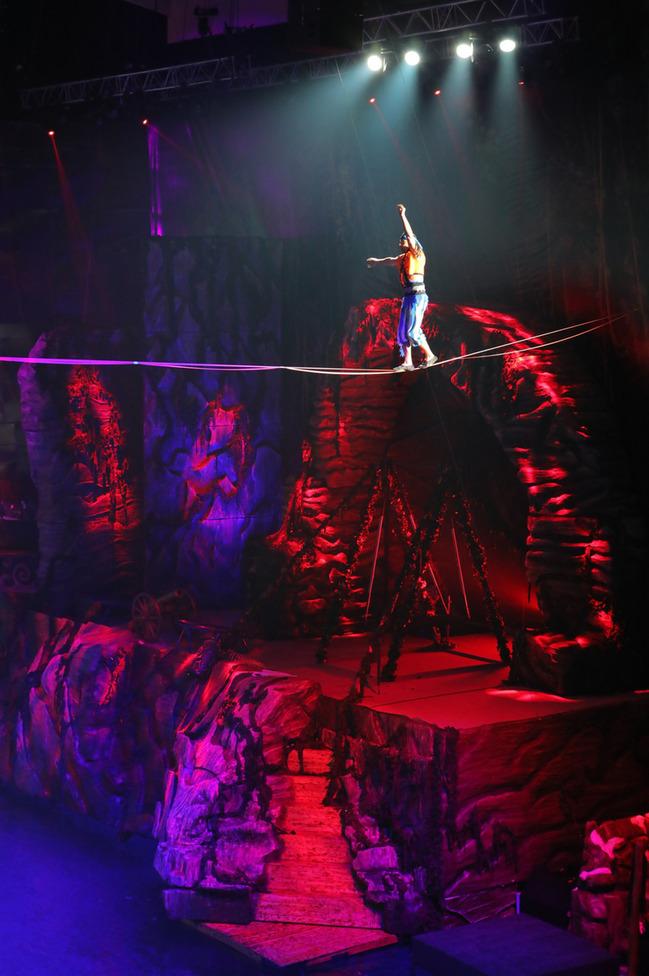 Внимание! Впервые! Новогоднее цирковое спортивное шоу  «ПИРАТЫ И ЗАТЕРЯННЫЙ ОСТРОВ»