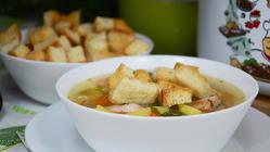 Легкий гороховый суп с копченым окорочком (без зажарки)