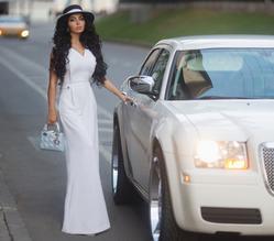 Аника Керимова: стоит ли покупать белые сапоги