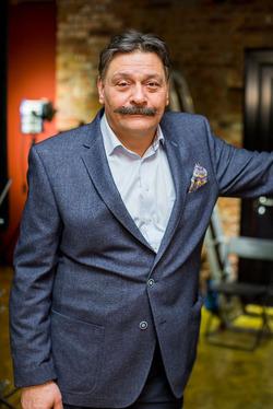 Дмитрий Назаров устроил потасовку со своими поклонниками
