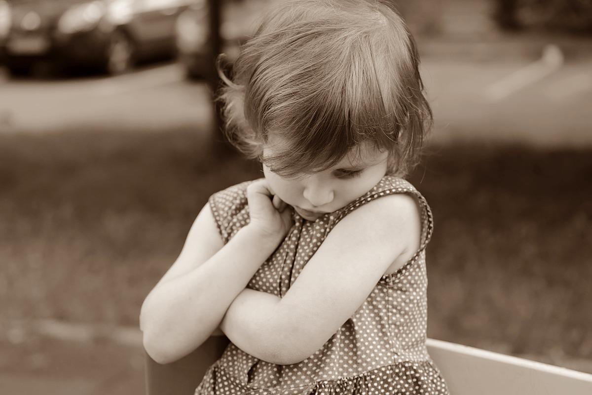 Застенчивость у детей: как помочь ребенку?
