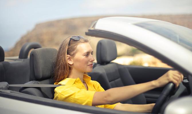Я сама: известные женщины за рулем автомобиля
