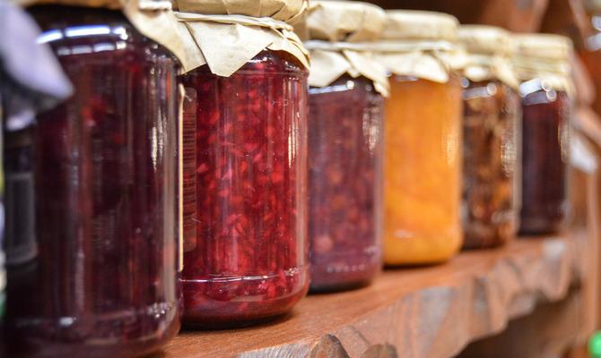 Первые закатки: ягоды и овощи
