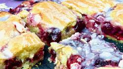 Пирог из замороженной вишни