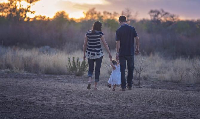 Молодые мамы и папы: новые стандарты