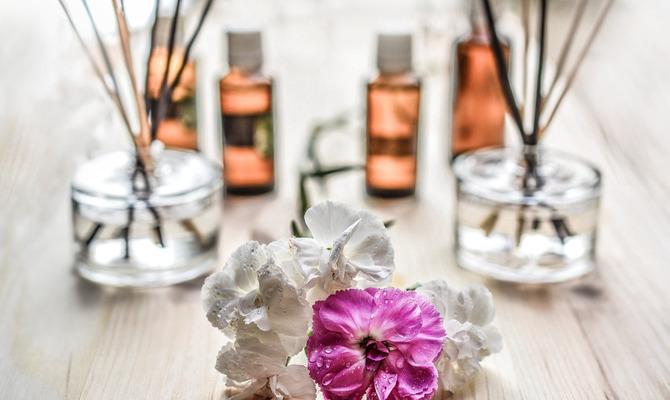 Этот аромат будет целовать ваши запястья. Духи из эфирных масел