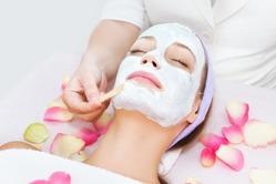 Мадина Байрамукова: дополнительный уход за кожей лица в домашних условиях и в кабинете косметолога