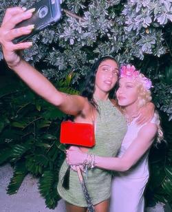 Новые фотографии дочери Мадонны вызвали у подписчиков отвращение
