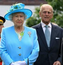 Ранее госпитализированный принц Филипп пока что остается в больнице