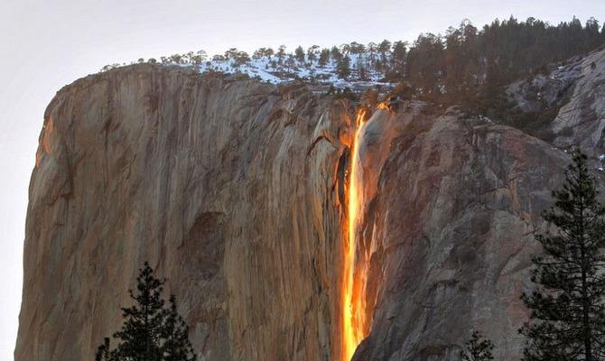 Почему водопад Хорстейл называют огненным?