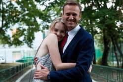 Дочь Алексея Навального получила за него в Женеве премию мужества
