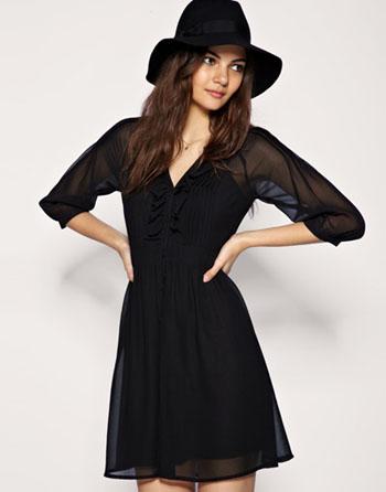 Маленького черного платья с длинными рукавами